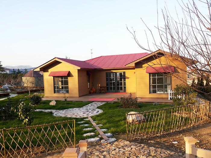 轻钢结构建筑的防腐可分为钢构件的防腐和围护系统的防腐两大部分(1)